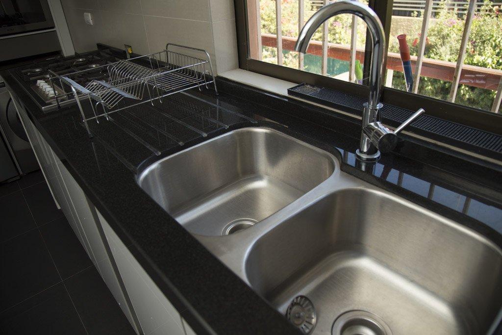 lavaplatos en cuarzo negro